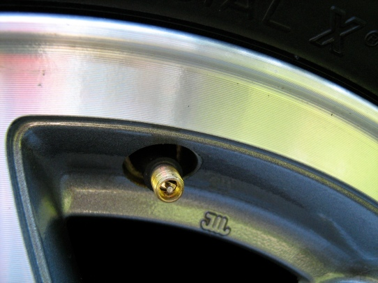 missing valve stem cover.jpg